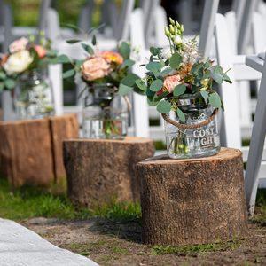 boomstammen ceremonie trouwen