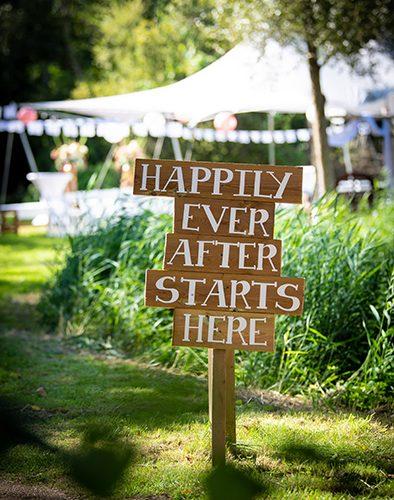 bord happily ever after decoratie bruiloft kampen zwolle verhuur partyverhuur stylist zwolle kampen ijsselmuiden dronten veluwe almere